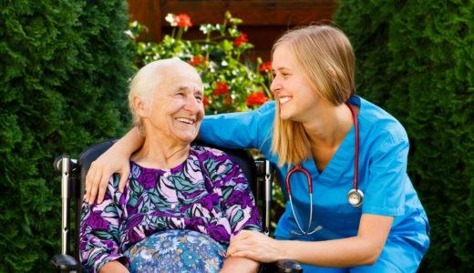 介護士の離職率や職員の悩み、有給休暇の取得状況は?【現場の声】