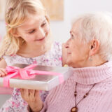 母の日にオススメ!おばあちゃんへのプレゼントTOP5【介護士が厳選】